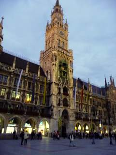 Rathouse (town hall) with the famous Glockenspiel