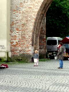 Sendlinger Tor with obliging three-year-old