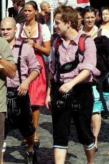 Oktoberfesters in traditional costume